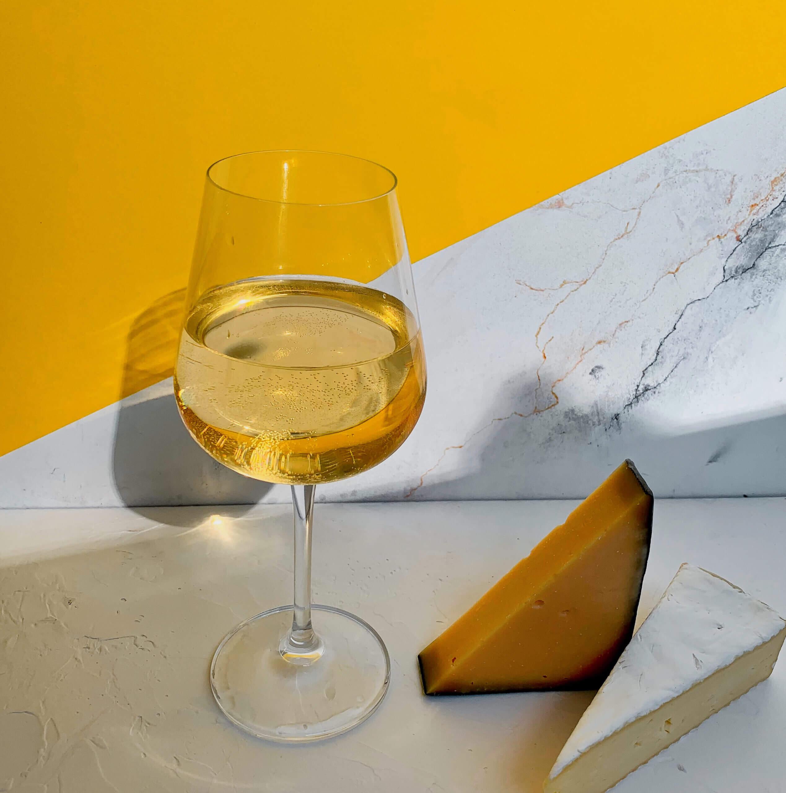 Вино та сир: апетитне комбо та кілька основних правил поєднання